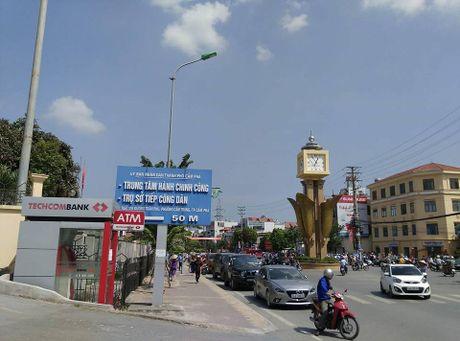 Quang Ninh: No xe o to tai thanh pho Cam Pha, 2 nguoi tu vong - Anh 2