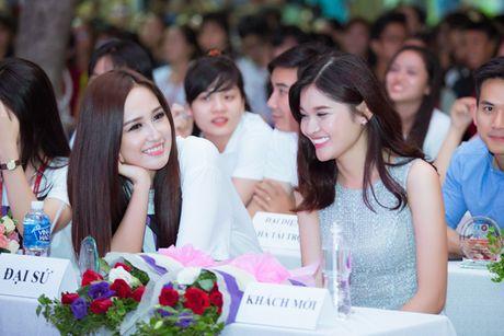 A hau Thuy Dung than thiet cung 'dan chi' Mai Phuong Thuy - Anh 7