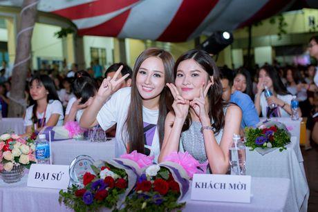 A hau Thuy Dung than thiet cung 'dan chi' Mai Phuong Thuy - Anh 9