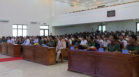 Canh sat PCCC tinh Thanh Hoa don nhan Huan chuong chien cong hang Nhi - Anh 3