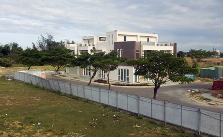 Da Nang: Biet thu nghi duong vang khach, giam cung - Anh 1