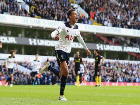 Video HOT NHA: Ban thua khien Mourinho, Pep chet lang - Anh 1
