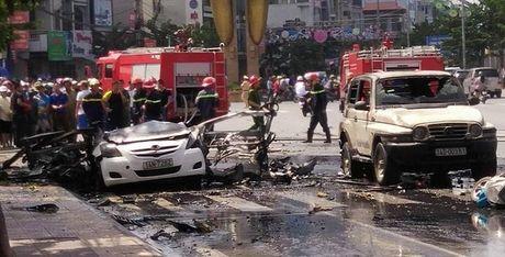 Xac dinh danh tinh tai xe dieu khien xe taxi phat no tai Cam Pha - Anh 1
