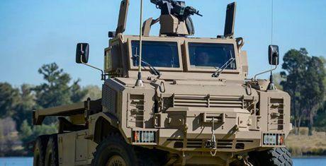 Denel Africa Truck - Chiec xe tai quan su doc dao den tu Nam Phi - Anh 1