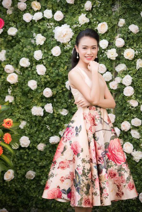 A hau Tu Anh, Thanh Tu chuc mung Ngoc Han thanh 'ba chu' - Anh 9