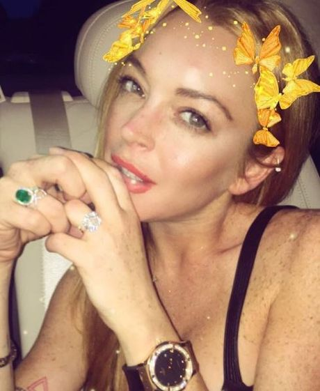 Lindsay Lohan cay dang thua nhan tu mua nhan dinh hon - Anh 1