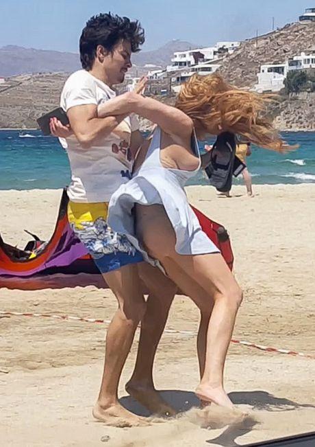 Lindsay Lohan cay dang thua nhan tu mua nhan dinh hon - Anh 4