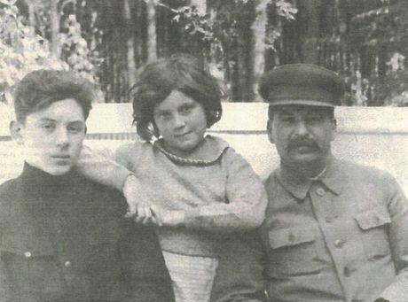 Bai phong van gay rung dong nuoc Nga cua chau noi Stalin: Me toi khong dam soi guong 14 nam - Anh 3