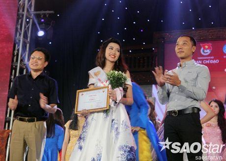Hoa khoi Sinh vien Ha Noi 2016 lien tuc roi vuong mien khi dang quang - Anh 6