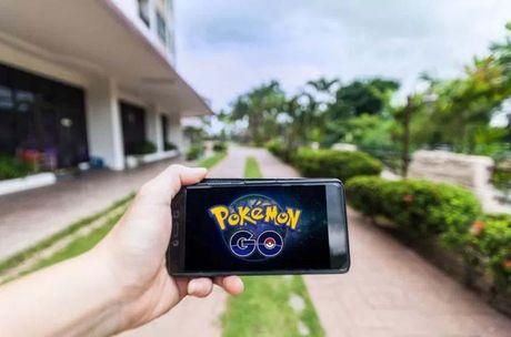 Sinh vien mot truong o Anh phai choi Pokemon Go de... lay bang - Anh 1