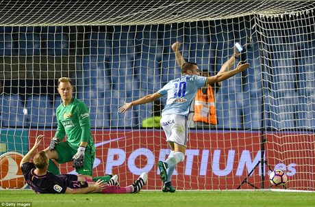 Hang thu choi nhu mo ngu, Barca thua soc Celta Vigo trong tran dau co 7 ban thang - Anh 1