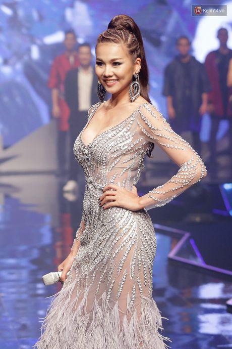 3 lan lam host, Thanh Hang deu chon 'hoa hau' lam Quan quan Next Top - Anh 1