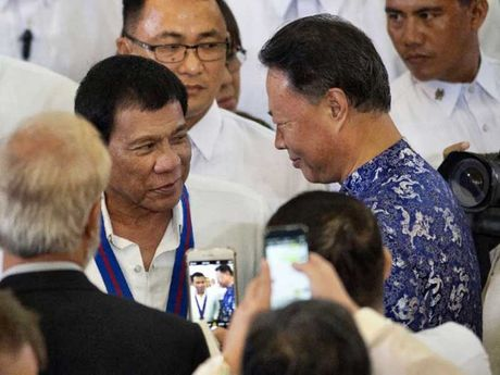 Ong Duterte can gi o Trung Quoc? - Anh 1