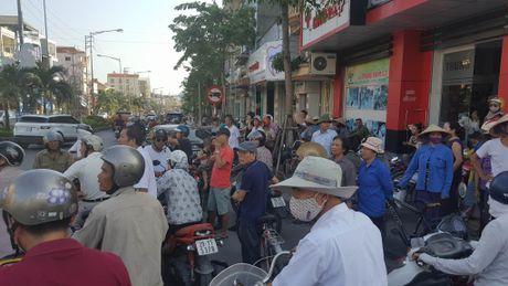 Vu no taxi: Phat hien thu tuyet menh cua hanh khach - Anh 2