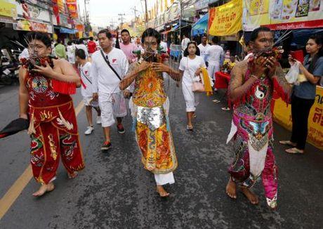 Le hoi an chay rung ron o Thai Lan - Anh 10
