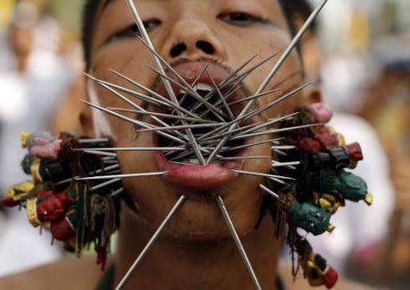 Le hoi an chay rung ron o Thai Lan - Anh 9