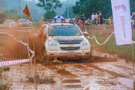 Chevrolet Colorado la Vua ban tai tai giai dua xe dia hinh Vietnam Offroad Cup 2016 - Anh 1
