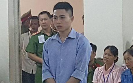 Gia dinh nan nhan bi danh chet trong trai tam giam khang an - Anh 1