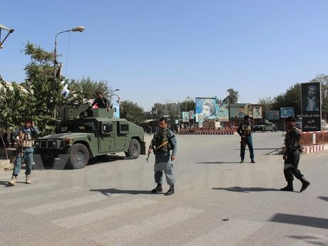 An ninh Afghanistan day lui cuoc tan cong cua Taliban o Kunduz - Anh 1