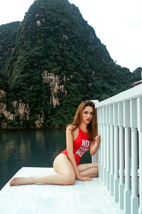 Huong Giang Idol bien khan thanh noi y khoe vong 1 goi cam - Anh 9