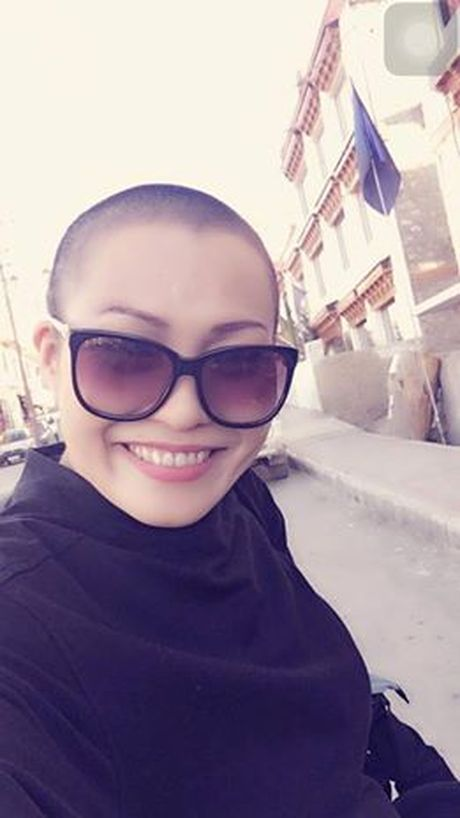 Phuong Thanh quyet dem dau troc len san khau, khong doi toc gia - Anh 1