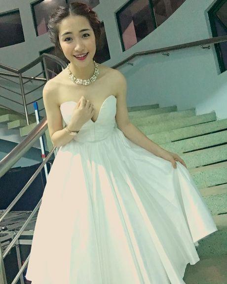 Cuoc song cua Hoa Minzy thay doi the nao sau chia tay ban trai? - Anh 12