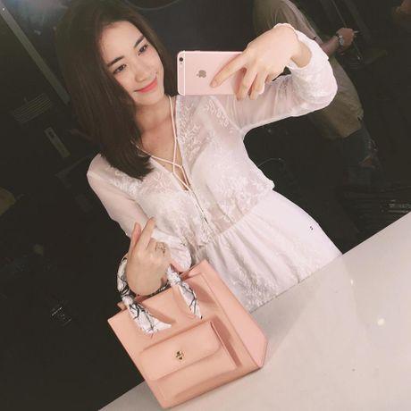 Cuoc song cua Hoa Minzy thay doi the nao sau chia tay ban trai? - Anh 14