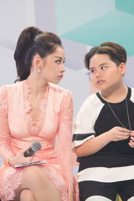Kho hieu gu thoi trang cua Chi Pu o chuong trinh The Voice Kids - Anh 12