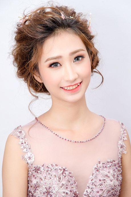 """Dien kien nhan sac hai chan dai moi cua """"ba trum"""" Ha Vy - Anh 2"""