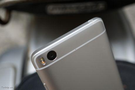 Tren tay Xiaomi Mi 5s voi cam bien van tay sieu am - Anh 12