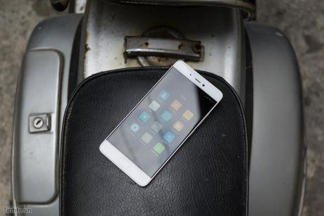 Tren tay Xiaomi Mi 5s voi cam bien van tay sieu am - Anh 16