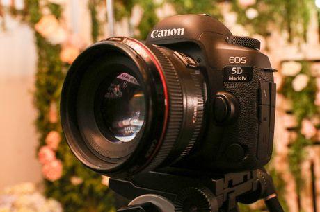 Canon EOS 5D Mark IV chinh thuc ra mat tai Viet Nam - Anh 2