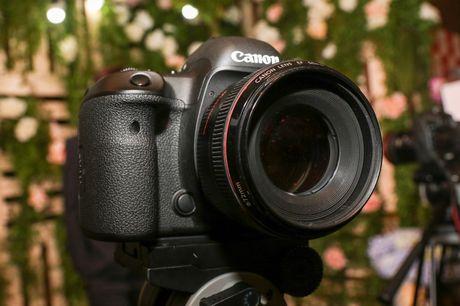 Canon EOS 5D Mark IV chinh thuc ra mat tai Viet Nam - Anh 3