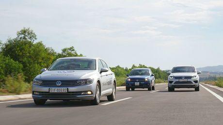 Den thanh pho bien Nha Trang cung Volkswagen - Anh 1