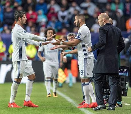 "Real: Tam tau ""BBC"" reu ra & con dau dau cua Zidane - Anh 2"