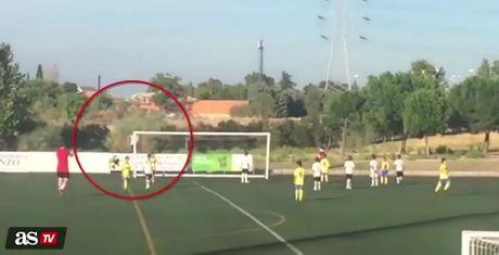 Con trai Ronaldo co 'nhan vien' nhat bong dat gia nhat the gioi - Anh 1