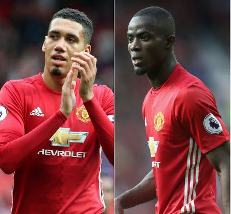 Smalling vi Bailly voi trung ve huyen thoai cua Man United - Anh 1