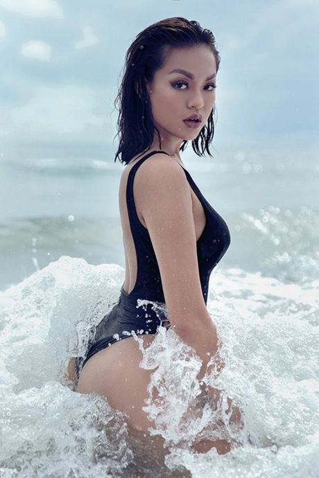 Thuong thuc tron bo anh bikini moi nhat cua Mai Ngo - Anh 8