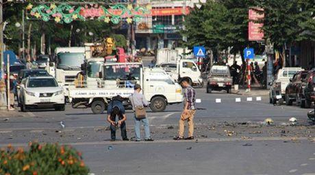 Vu no xe tai Quang Ninh: Phat hien thu tuyet menh trong nha nan nhan - Anh 2
