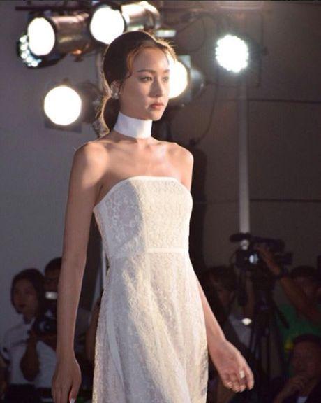Lady Blossom - My nhan chuyen gioi dep tua nu than cua The Face Thailand - Anh 5