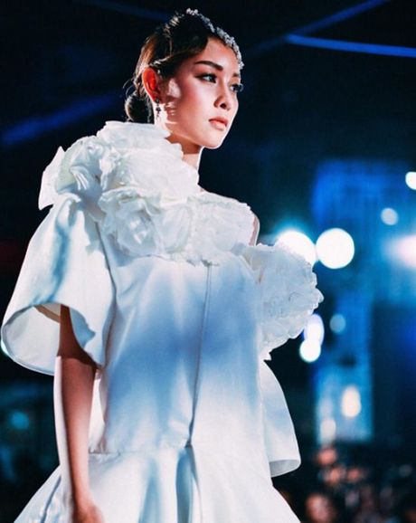 Lady Blossom - My nhan chuyen gioi dep tua nu than cua The Face Thailand - Anh 7
