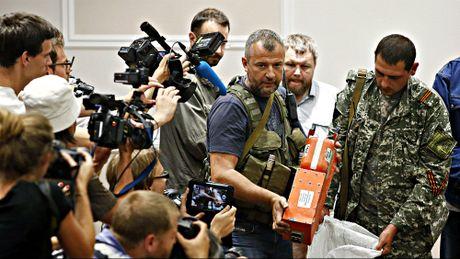 Nga, Ha Lan tiep tuc dau khau vi cuoc dieu tra MH17 - Anh 1