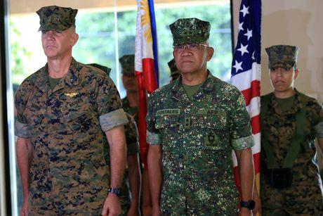 Philippines: 'Roi ren' noi bo ve tap tran 'lan cuoi' voi My - Anh 1