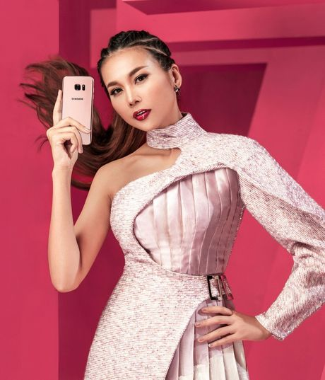 Hau truong 'to hong moi gioi han' cua Thanh Hang va Galaxy S7 edge Pink Gold - Anh 10