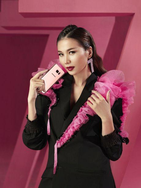 Hau truong 'to hong moi gioi han' cua Thanh Hang va Galaxy S7 edge Pink Gold - Anh 9