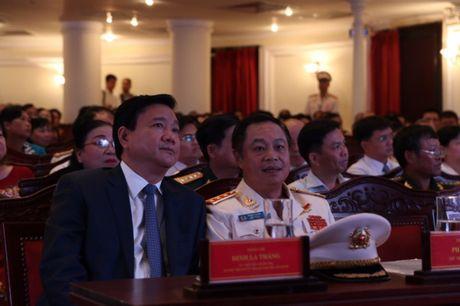 Canh sat PCCC TP.HCM nhan huan chuong Bao ve To quoc - Anh 4