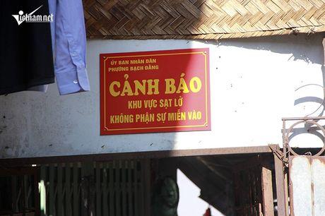 Canh canh noi so Ha Ba nuot chung nha ven song Hong - Anh 3