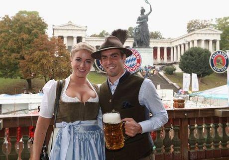 Sao Bayern Munich va Wags tung bung trong le hoi bia Oktoberfest - Anh 1