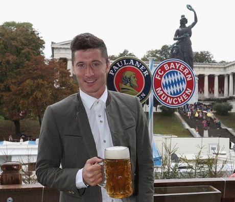 Sao Bayern Munich va Wags tung bung trong le hoi bia Oktoberfest - Anh 2