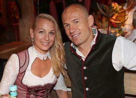 Sao Bayern Munich va Wags tung bung trong le hoi bia Oktoberfest - Anh 5